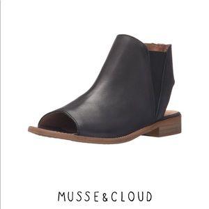 Musse & Cloud Ciara Black Leather Peep-Toe booties